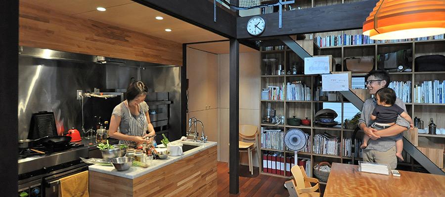 建築家自邸の3つのこだわり  食と向きあい、 クルマと音楽を楽しむ