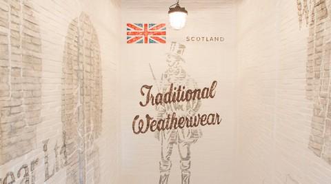 モダン・ブリティッシュ・スタイル -2-  MACKINTOSHのDNAを受け継ぐ Traditional Weatherwear 青山店
