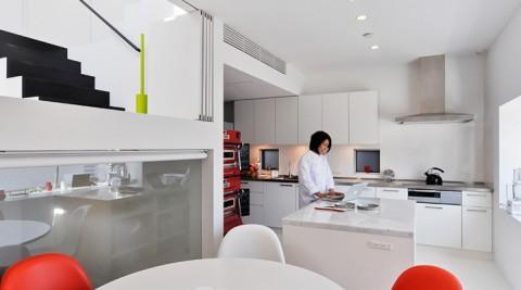 """パティシエールこだわりの家造り広めのキッチンと""""わくわくする""""空間"""
