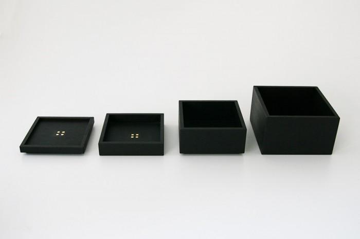 小鉢セット 左から皿 W90 D90 H13mm 小鉢(小) W90 D90 H20mm 小鉢(中) W90 D90 H40mm 小鉢(大) W100 D100 H60mm ¥9,975 秀衡塗/designshop