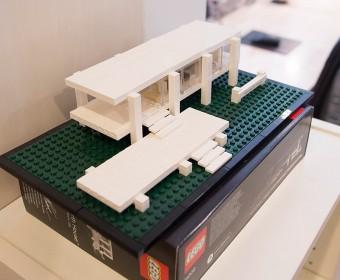 Farmsworth Houseのレゴブロックを見つけて、即購入。