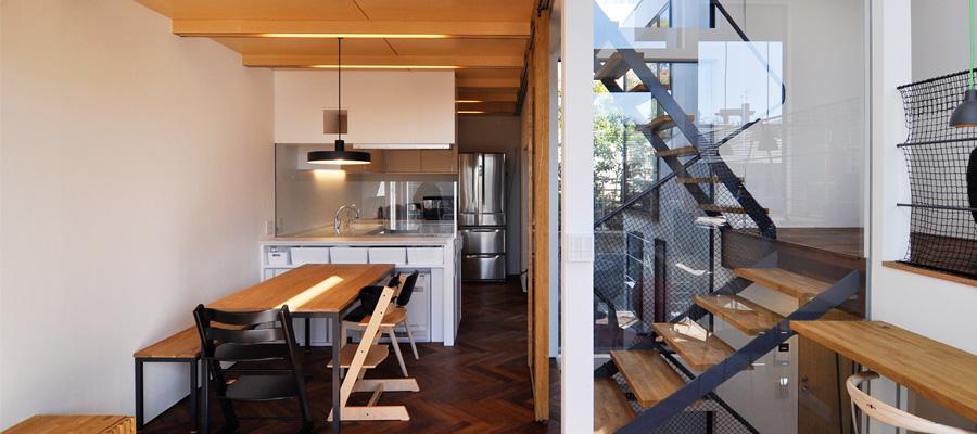 家具・日用品にも時間を惜しまず 素材に、色に、こだわり尽くした家づくり