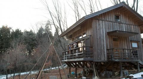 自分サイズの暮らしを探す1000坪の広大な敷地に建つ9坪の小さな家