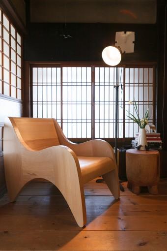 前職イデー時代の経験が活かされるARP ROUNGE(チェア)は祥充さんの代表作。4/14まで横須賀美術館でも展示中。