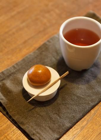 小さな菓子受けやカップもえみさんの作品。菓子受けは見た目も可愛らしくダイエット効果もあるとか。