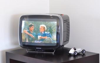 「世の中にはなんて醜いTVしかないんだろうと思って、探しに探して」みつけたブラウン管TV。イタリア製だ。