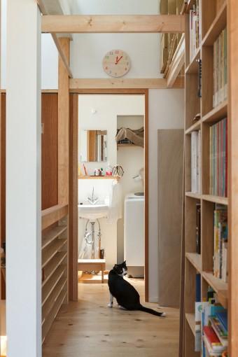 トイレは2階。洗面室と一体にすることで空間にゆとりをもたせた。