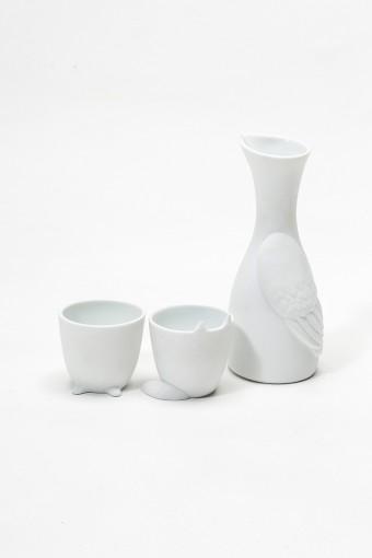 左からカップ ¥12,600 カップ ¥13,650 カラフェ ¥19,950 バザー・エ・ガルド‐モンジェ