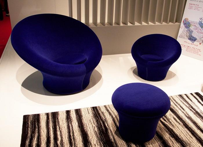 左「Big Mushroom」、右「Mushroom Junior」、手前「Mushroom P」全てPierre Paulinが1960年にデザイン。
