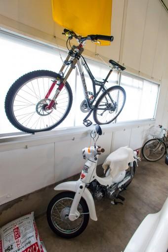 夫の趣味、スラローム用の自転車。パーツを組み合わせて組んだもの。