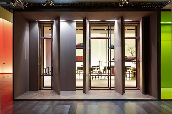 「Wall&Door」システム。文字どおり、壁でありドアとして機能するシステムで、収納オプションと様々に組み合わせることもできる。