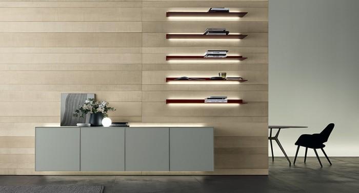 「Self」Giuseppe Bavusoデザイン。キャビネットがメインのシリーズだが、棚や引き出しだけを壁に取り付けることも可能。背面にLED照明付き。