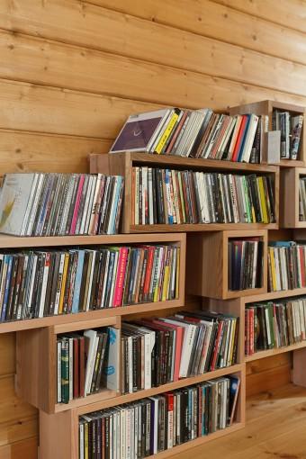 ボックスに収納されたCD。こちらも軽く数百枚はある。