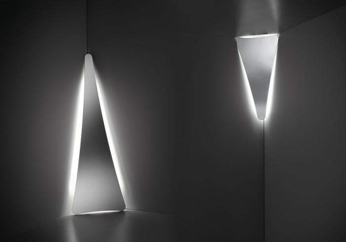 「Punctum」Nigel Coatesデザイン。ステンレス素材、LED仕様。