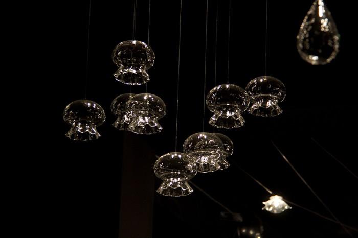 「Medusina」小さなライトを幾つも使えばまるで海底にいるような気分に。
