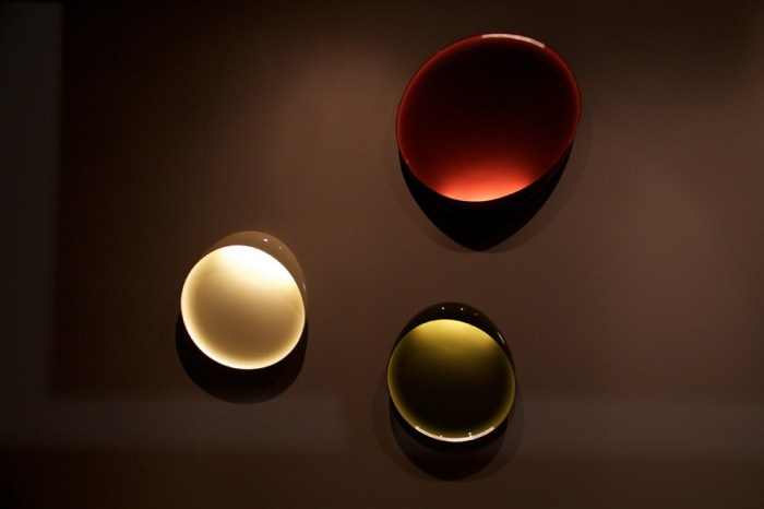 「Lake」Lucidi&Pevereデザイン。まさに湖の湖面のよう。LED仕様。