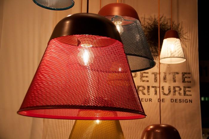 「RAY」Tomas Kralデザイン。アルミニウムとエポキシ樹脂を使用。