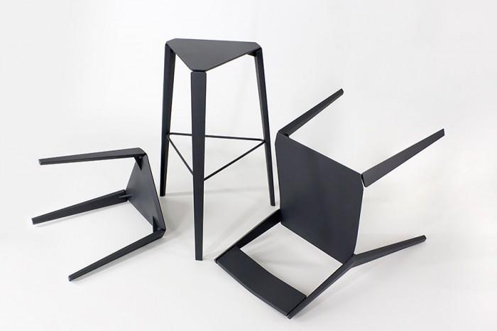「X Rey」Alexander Rehnデザイン。1970年代に発表されたブルーノ・レイの椅子「Rey」にインスパイアされて製作。座面と脚の間に装着された金具によって、座ると宙に浮いているような感覚を覚えるという。 www.alexanderrehn.com