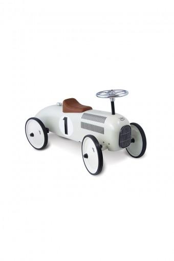 WHITE METAL CAR W800 D180 H230mm ¥16,800 Vilac/THE CONRAN SHOP