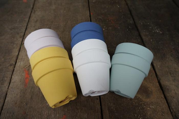 カラーテラコッタ(すべて1セット5個入りでカラーはアソート) 2.5号鉢 ¥3,150 3号鉢 ¥4,200 3.5号鉢 ¥5,250 4号鉢 ¥6,300 以上 mondoverde