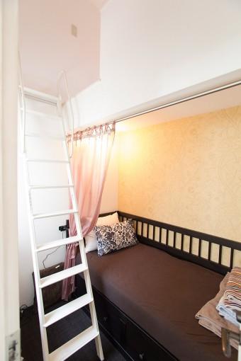 アシスタントの宿泊部屋。階段上も2~3人泊まれるスペース。
