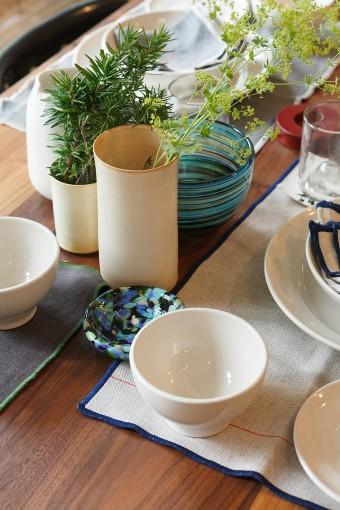 涼やかな食器は、これからの季節のマストバイ。