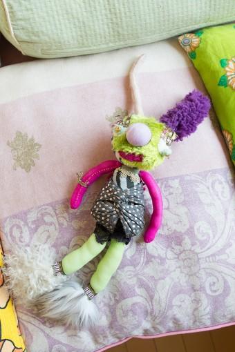 妹さんからの誕生日プレゼント。百合子さんの好きなキミドリ&ショッキングピンクを使い、肉感的なイメージを出した。