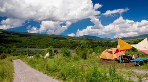 夏のアウトドア-1-快適、便利、オシャレこの夏、話題のキャンプ場