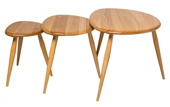 ネストテーブル 左からW330 D240 H320mm W480 D330 H350mm W670 D510 H400mm ¥136,500 アーコール