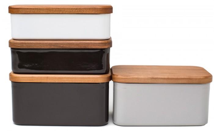 バターケース(ホワイト・ダークチャコール) W150 D90 H52mm 各¥2,625 バターケース(ダークチャコール・グレー) W150 D90 H80mm 各¥3,150 ともに野田琺瑯