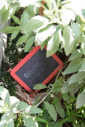 ユーゴさんのブランド「touta.」の看板。