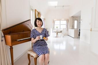 チェンバロの優雅な調べが響き渡る。佐藤さんは、「服のお直し便利帳」(大泉出版)も出版。