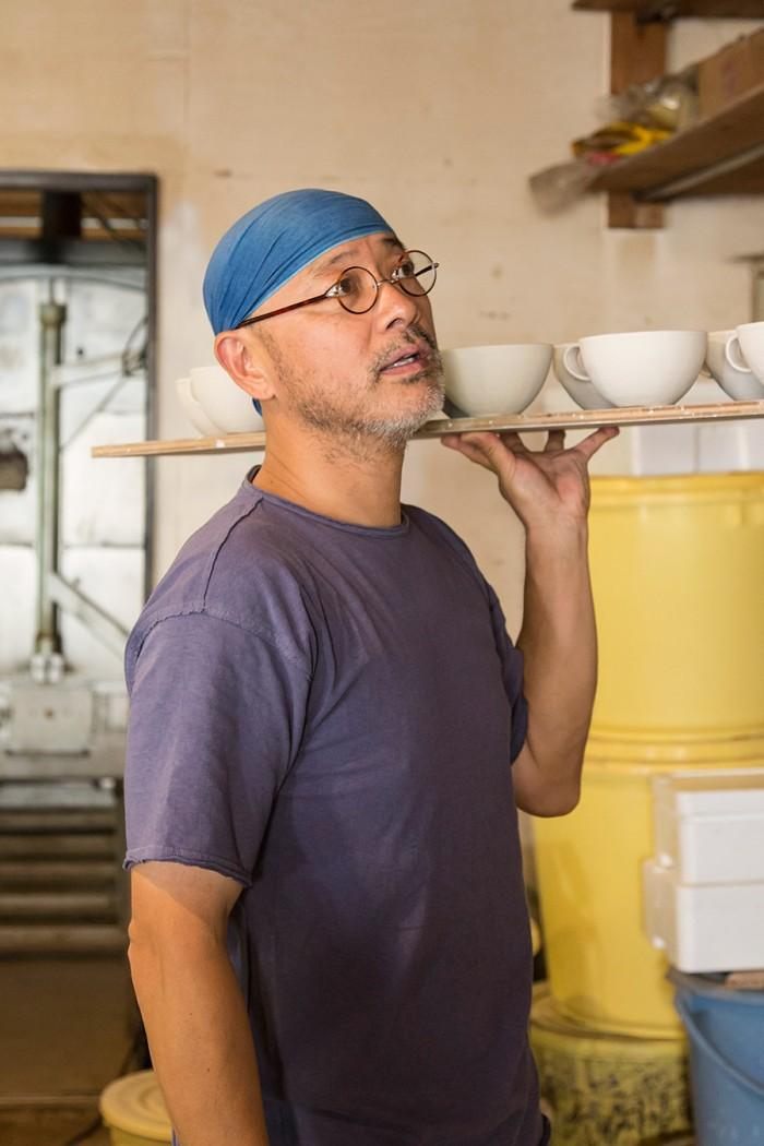 益子の陶器市は年に2回。他にも、展覧会へ出品するための作品づくりなど、人気作家のwakaさんは精力的に制作を続けている。