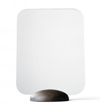 「Gridy Me Mirror グリディ・ミー・ミラー」シンプルなデザインでバスルームにもリビングにも。オスロのデザインチーム、グリディのニュー・デザイン。