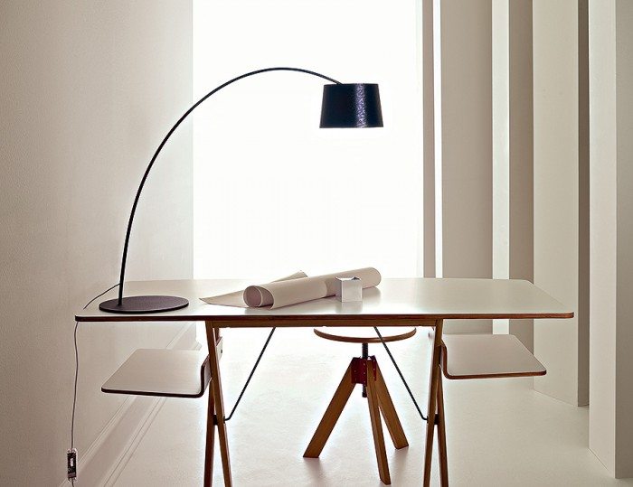 Twiggy table φ180 H550~630mm ¥99,750 foscarini/ルミナベッラ 東京