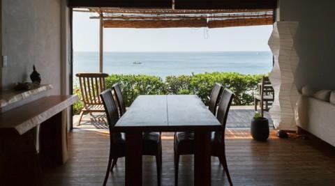 海辺のスローライフ海から歩いて0分、五感で海を感じる家。