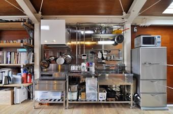 キッチン部分も可動式のため移動できる。