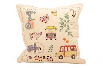 手作りの刺繍のクッション、100%コットン、40x40cm、バングラデシュ製。