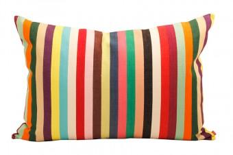こちらもグアテマラ製。オンラインでも購入が可能。 http://afroart.se/(スウェーデン語のみ)。
