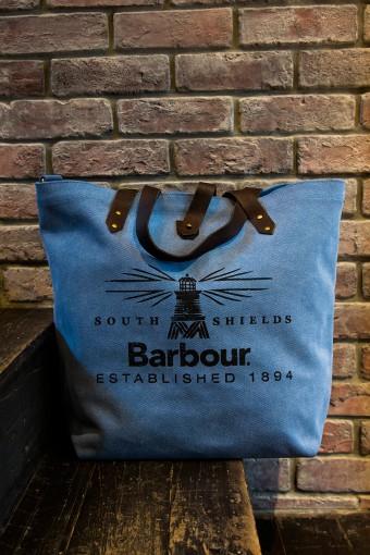Canvas Printed Shopper(Mens&Ladies) ¥18,900 バブアーのアイコン的もチーフ、ビーコン(灯台)がプリントされたキャンバスのトートバッグ。