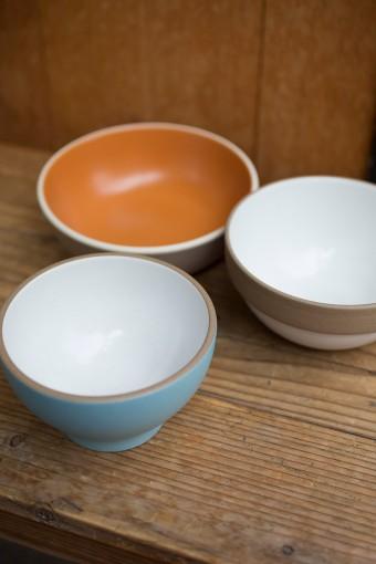 Heath Ceramics は、MoMAのパーマネントコレクションに選定されるなど、高い評価を受けているアメリカの食器メーカー。食器洗い機、電子レンジ使用可。 Heath Ceramics GRANOLA BOWL ¥5250, ¥7560