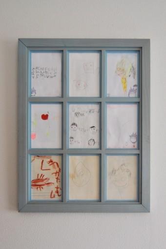 現在中3、小6、小2の子供たちが描いた絵をフォトフレームに。