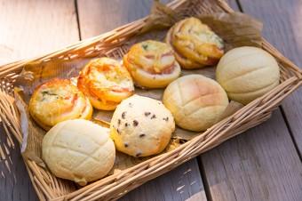 天然酵母を使ったパンは、しっとりとしてソフトな歯応え。