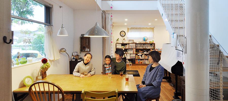 組み合わせの妙を楽しみながら 中古家具で、オリジナルで、 空間をカスタマイズ