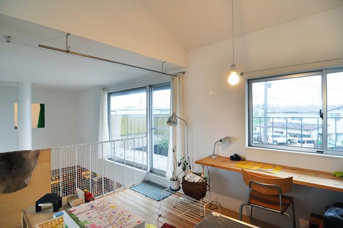 建築家の東端さんは奥さんの学生時代の友人。「自分が持っているものがそこにあることでより生き生きするような空間をつくるのが上手だなと思っていて」設計を依頼したという。