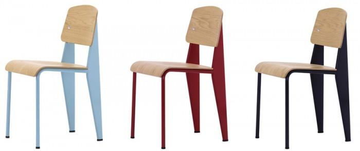 Standard Chair(ナチュラルオーク/ライトブルー・ ナチュラルオーク/レッド・ ナチュラルオーク/ブラック) W420 D490 H815 SH480mm 各¥73,500 Vitra/hhstyle.com 青山本店