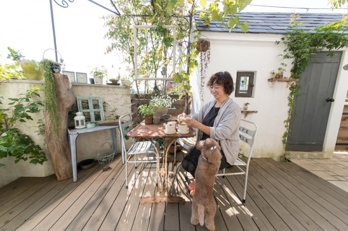 光、風、緑を感じるウッドデッキのガーデンテラスで。「Ruban de Tiara」  http://www.tiara-inc.co.jp/