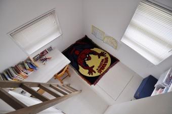 子ども部屋をロフトから見下ろす。