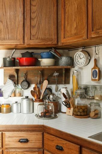 引き出しの取手など細部にまでこだわったキッチン。