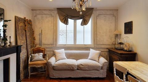 一軒家を自分好みに彩るヨーロッパへの思いに溢れたアンティークの館